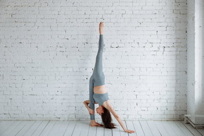 pyramid pose / parsvottanasana how to benefits