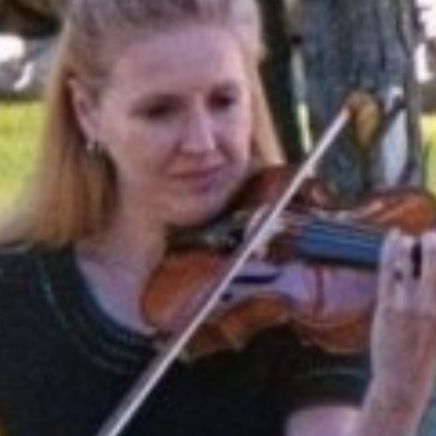 Sharon Lesley - Violin Lessons / Piano Lessons  in Sterling